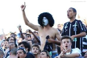 Torcida alvinegra organiza caravana para jogo com o Inter