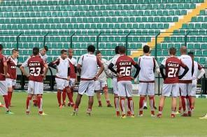Figueirense segue indefinido para o jogo contra o Coritiba